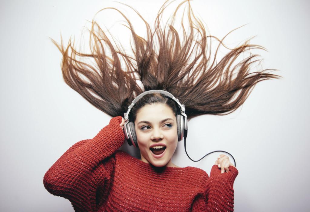 iStock_000036450854_happy music